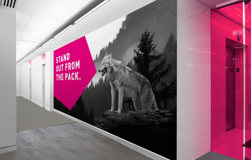 STR Office Styling Wall Wolf